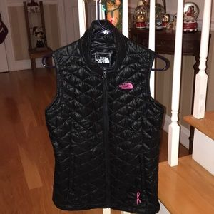 Northface black pink ribbon thermoball vest small